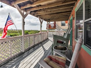 NEW! 2BR Surfside Beach House w/Deck & Ocean Views