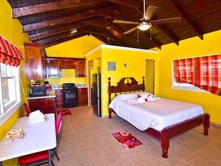 Bungalow 2 Queen Bed 1