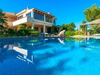 Villa 94 in Manacor con piscina and Wifi internet