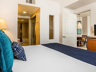 1BR Unit at Vegas Resort w/ Pool Hot Tub Gym by The Strip & TopGolf FREE SHUTTLE