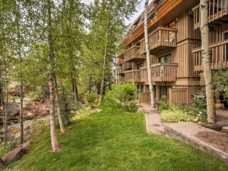 2BR Vail Getaway w/Free Shuttle to Vail Village