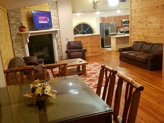 #LOCATION #WI-FI #GAMEROOM #FIREPLACE #RESORT #MOUNTAINVIEW #3BR 2.5 BTH