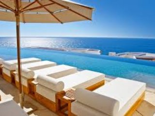 Luxxe pool, exclusive for Grand Luxxe guests