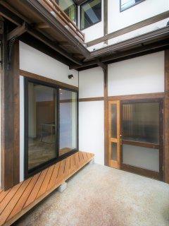 Internal entrance door