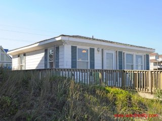 Oceanfront, PET FRIENDLY!!! - Daydream Believer