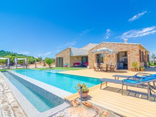 IRIS - Villa for 6 people in Manacor