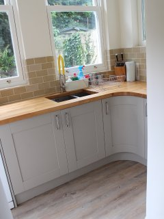 Kitchen off of the breakfast room, D/W, fully fitted bespoke kitchen, all appliances