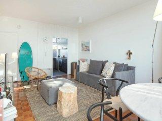 HARBOUR VIEWS Sun Filled Apartment