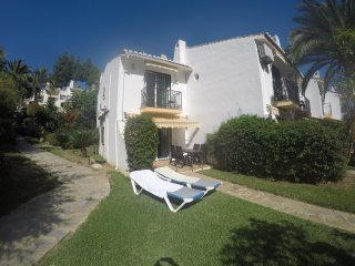 Calahonda 2 Bedroom House With Air Conditioning & Pool