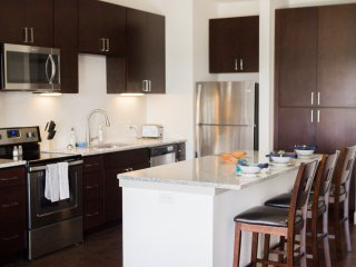 22 Modern Apt ★ 5 min walk to A&M ★ Pool/Gym ★ Conference Room ★ Game Area