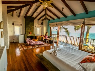 Casa Baronesa Waterfront Galapagos Villa