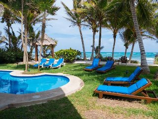 Enjoy Glorious Villa Margarita, right on the ocean, Jade Bay Akumal.