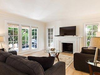 LAD70 - Spacious 3 Bedroom/1.5 Bathroom Home in West Hollywood