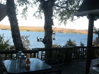 LAKEside Paradise Fabulous Fall Colors Hot Tub! Quebec Eastern Townships Owls Hd