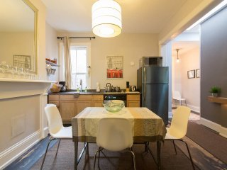Cap Hill 2 Bedroom Penthouse Apt of Historic Row Home, Close to Everything