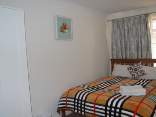 BnB Ensuite Double Room , close to city and airport, convenient location