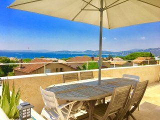 Appt Vue mer panoramique,à 150 m de la plage & commodités, Golfe de St-Tropez