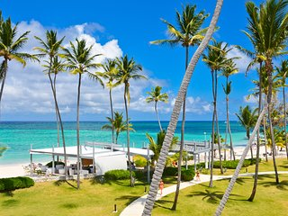 Playa Turquesa 3 bedroom, 4 bathroom ocean view penthouse with loft and rooftop