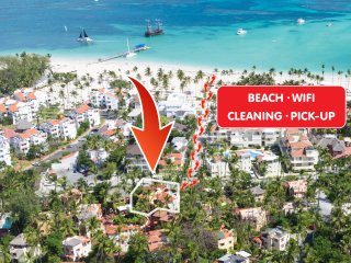 Lush Villa Beach WiFi Cleaning PickUp ''Victoria''