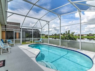 Explore Disney & Universal from this Home w/ Pool!