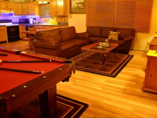 LOCATION# NO HIDDEN FEES# HOTTUB# POOL TABLE# FIRE PLACE# WI-FI# JACUZZI!!