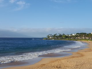 Maui - 5 minutes walk to the beach up to 6 people