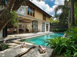 Beachside House - 3BR/BEACH/POOL - SEMINYAK