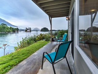 Waterfront Sitka Townhome w/Views - Close to Town!