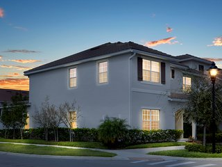 4851 5Bedroom at Storey Lake Orlando FL close to Disney