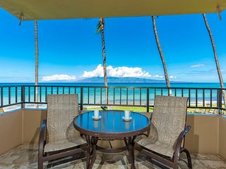 Surf's Up! Family Hit w/Kitchen Ease, WiFi, Flat Screen, DVD, Lanai–Paki Maui