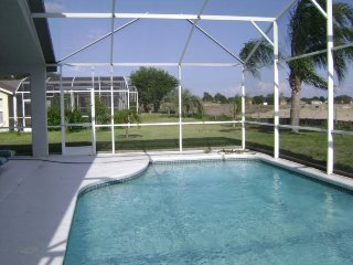 236SC. Elegant 3 Bedroom Sunridge Woods Pool Home In DAVENPORT FL