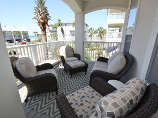 Front Porch has Views