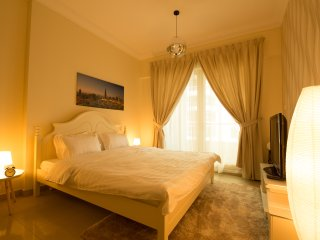 Huge Luxury Marina apartment, 3 bedrooms, max 9 persons