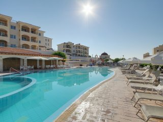 privately owned 2 bedroom self catering apartment, on the club st george resort