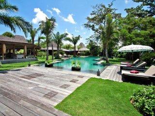 Seminyak Villa 3495 - 5 Beds - Bali