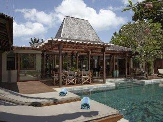 Batu Belig Villa 3450 - 4 Beds - Bali