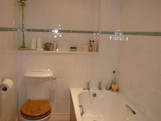 Stunning central 3 bed townhouse with parking.