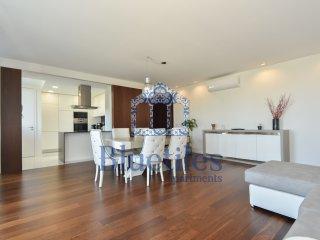 Bluetiles   Luxury Apartments Boavista II
