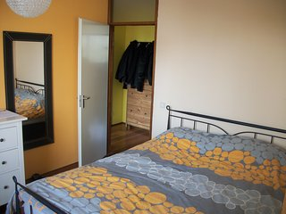 Primary bedroom- 1.80m wide bed in 16m2 space bedroom.