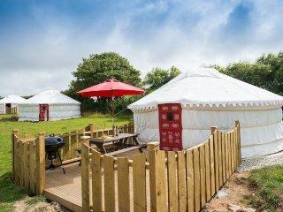 Poppy Yurt 108809