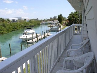 Casey Key 2-Bed Dockside Penthouse
