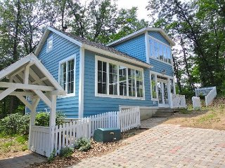 Cozy Cottage in Beachwalk Resort- Sheridan Beach, Pool, Tennis, Parks + more!