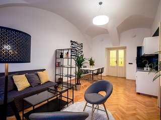 Beautiful new 1 room apartment by Prague Castle