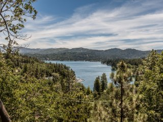 North Bay Lakeview Retreat