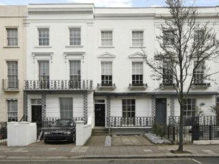 Charming Notting Hill Maisonette with Private Parking & Garden