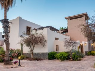 FN121-Loreto Bay-Luxury Mexican Villa