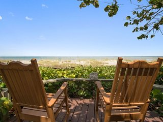 Tropical Unique One Bedroom Cottage in Cocoa Beach Oceanside