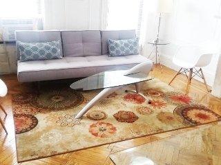 Stunningly Gorgeous & Spacious 2 Bedroom Apartment -12 min to Manhattan