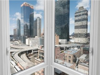 MIDTOWN WEST 3BEDROOM-CITY VIEWS-DOORMAN