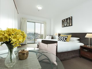 Couples City Getaway Opposite Darling Harbour